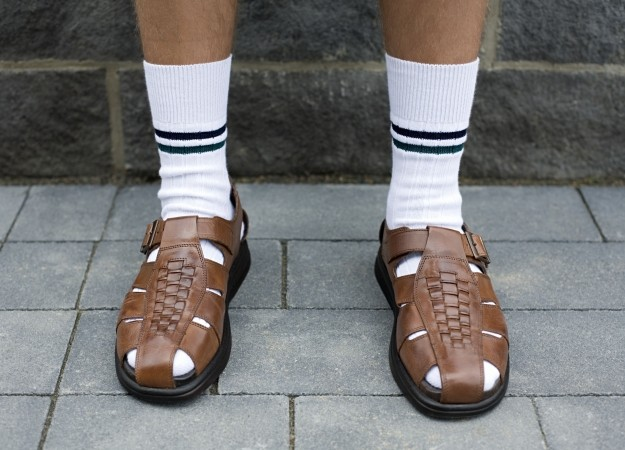 socks_and_sandals_ugly_shoes-2__landscape