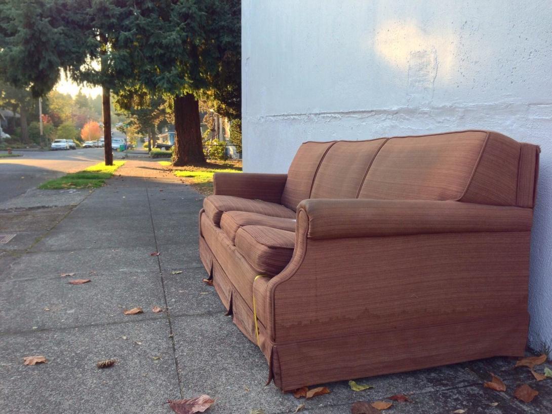 How To Sell Used Furniture Craigslist Alternatives
