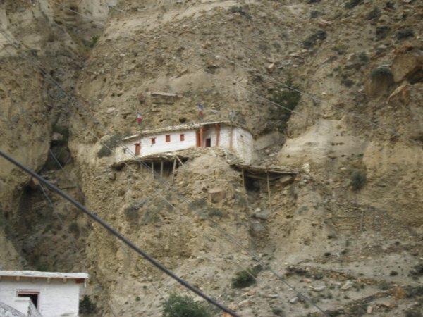 3885930-Precarious-house-Marpha-Nepal-0
